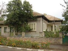House in village Izvorovo, Dobrich