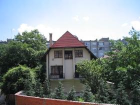 New villa in Bakstone quarter, Sofia
